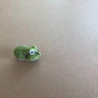 カエルのブローチ